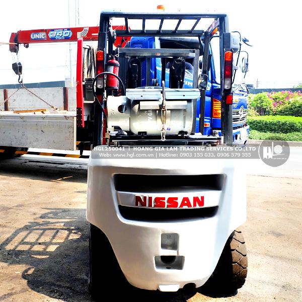 xe-nang-gas-xang-nissan-2.5-tan-NP1F2A25D-41-p-2