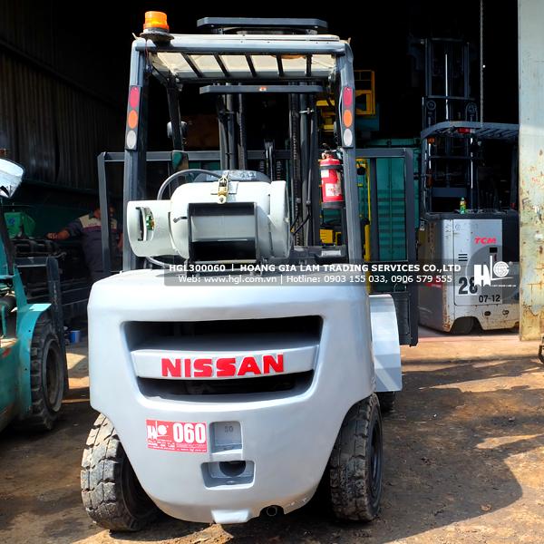 xe-nang-gas-xang-nissan-3-tan-UG1F2A30D-60-p3