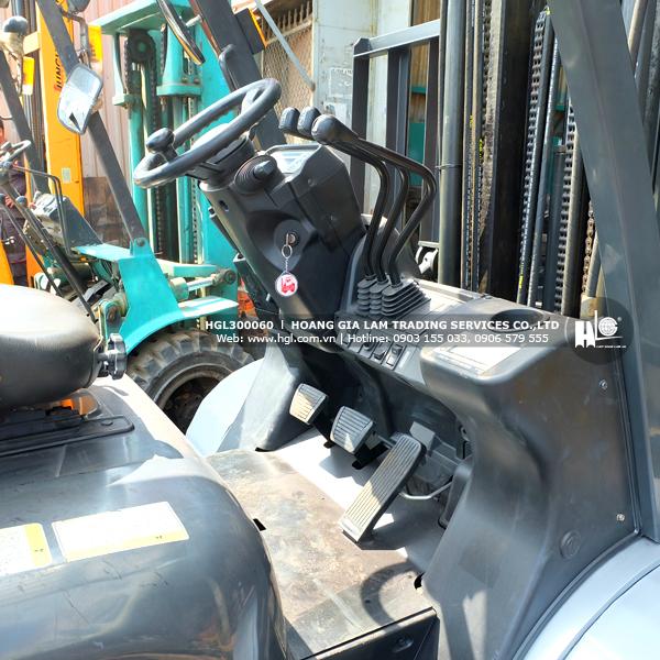 xe-nang-gas-xang-nissan-3-tan-UG1F2A30D-60-p4