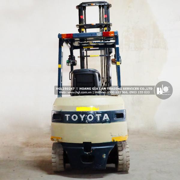 xe-nang-TOYOTA-7FB25-247-hgl2