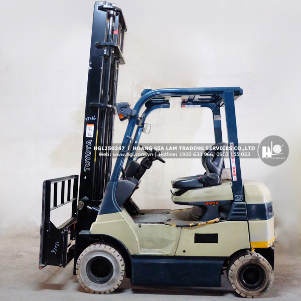 xe-nang-TOYOTA-7FB25-247-hgl3